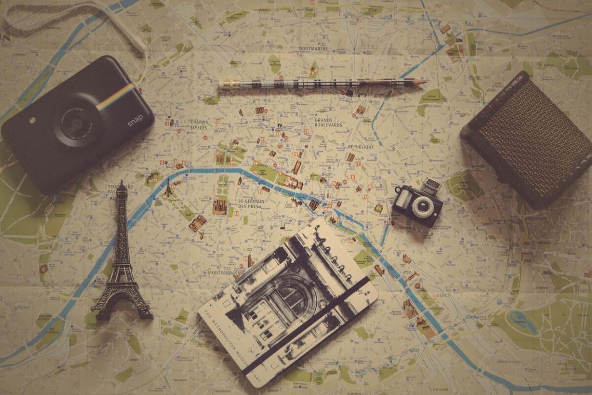 expat living in Paris France