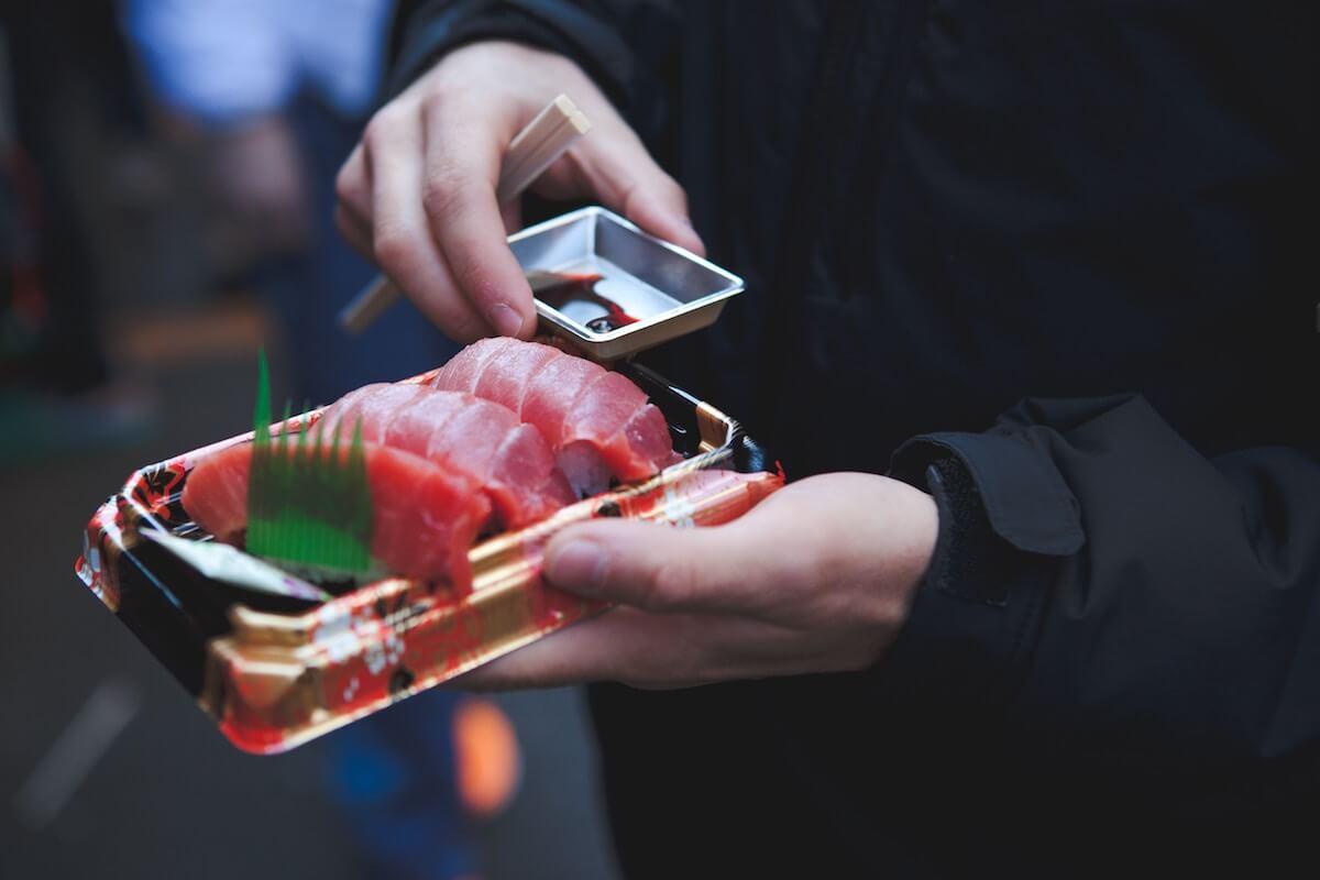 place to eat sushi in Tokyo Japan Tsukiji Market