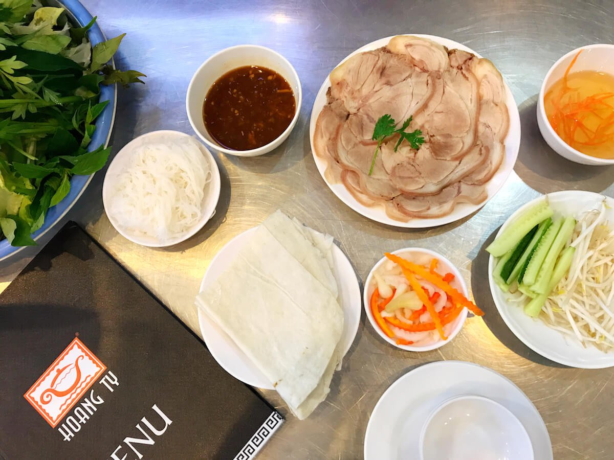 banh trang thit heo Vietnamese street food