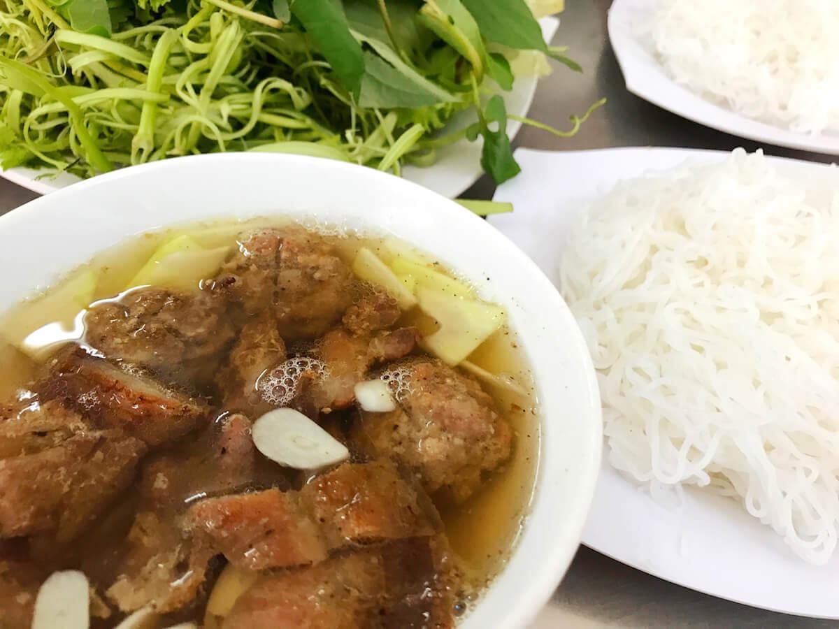 hanoi street food - bun cha Hanoi