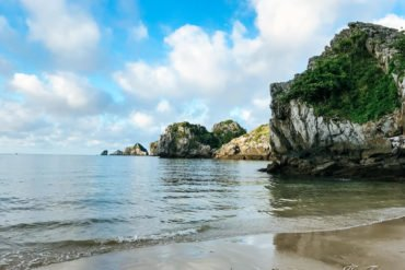 how to travel from Ninh Binh to Cat Ba by bus