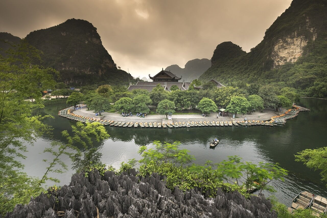 best things to do in Ninh Binh Tam Coc boat ride