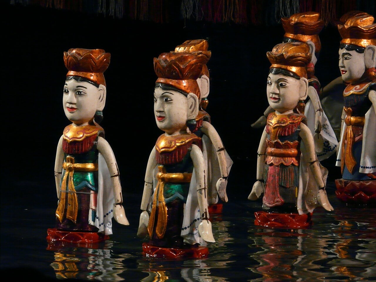 watch water puppet in Hanoi Vietnam