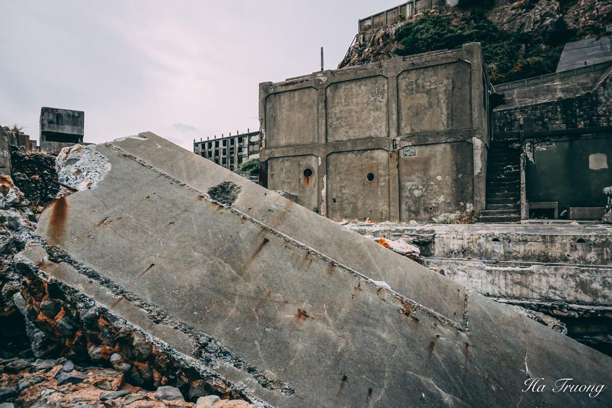 why was hashima island abandoned