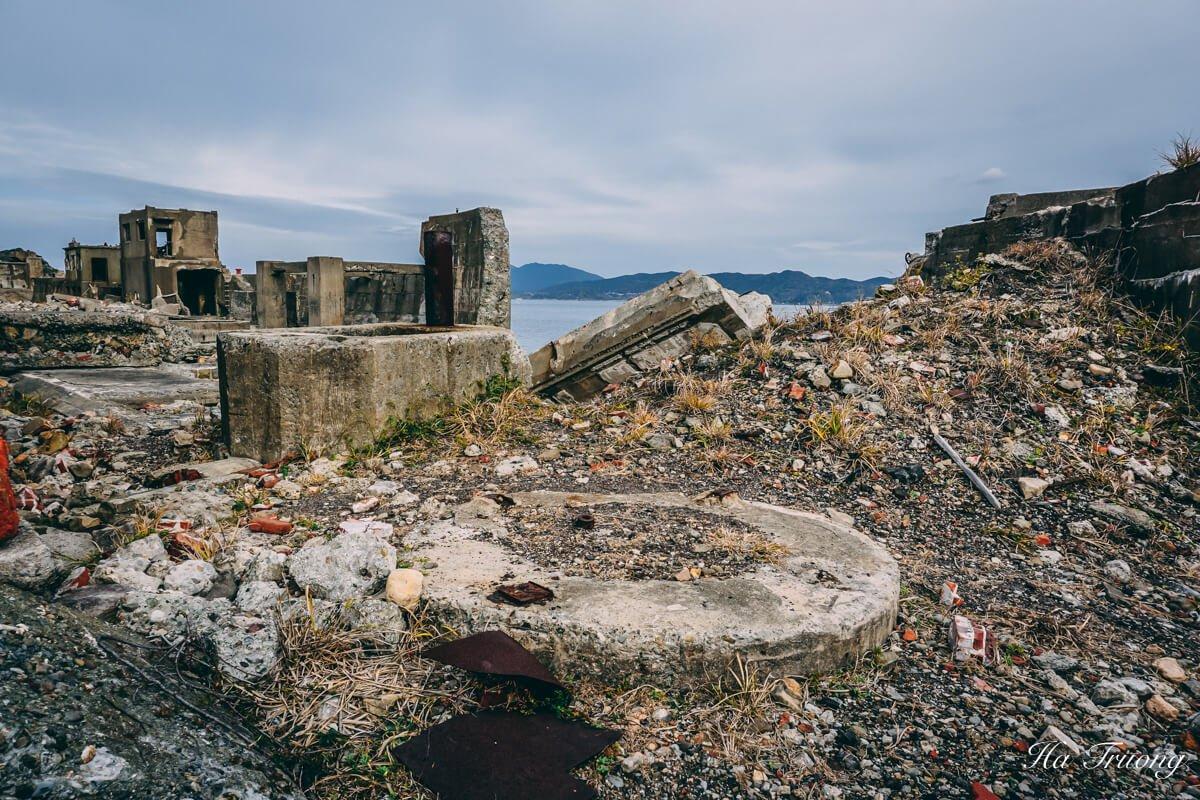 travel guide to Hashima Gunkanjima Battleship island Nagasaki Japan