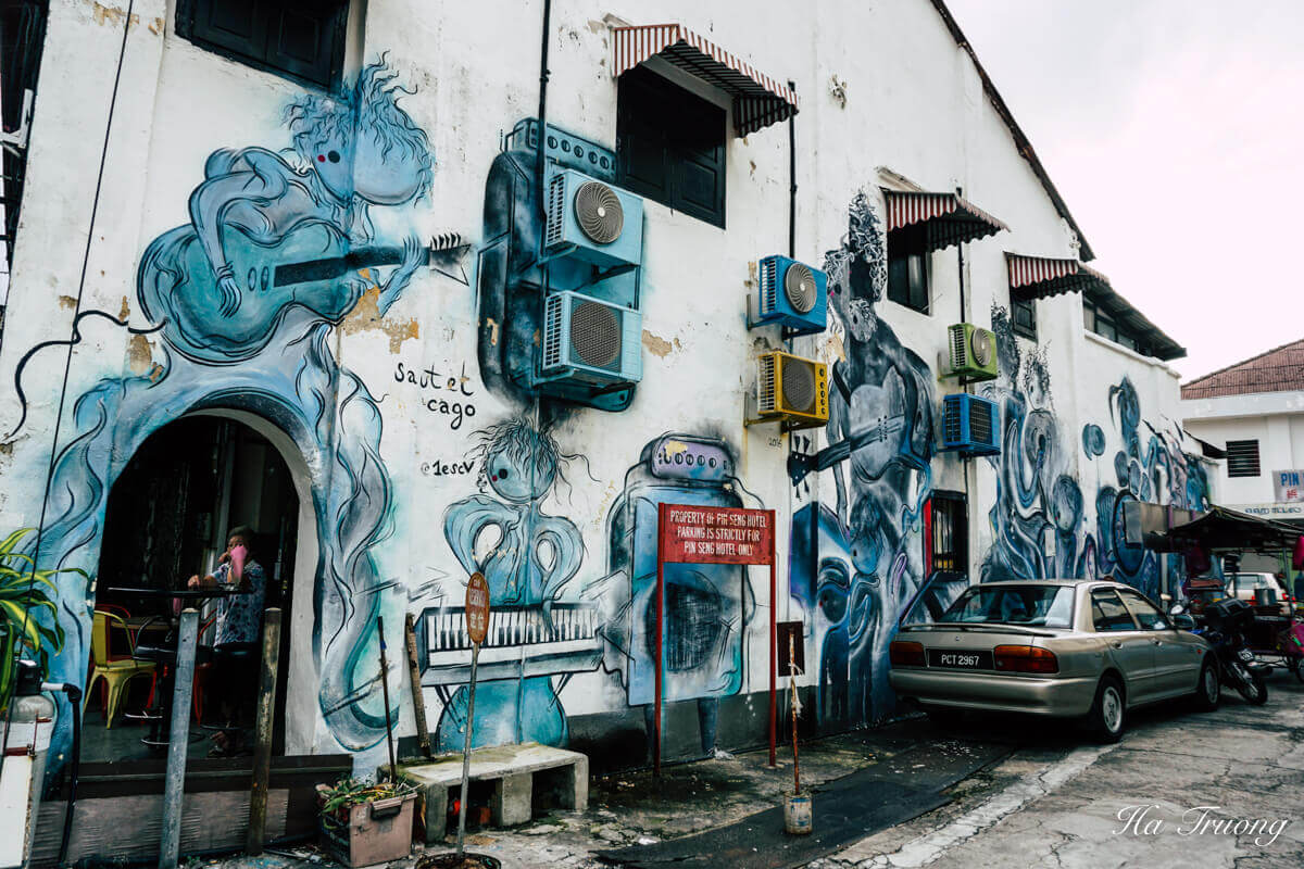 Penang street art on Love Lane