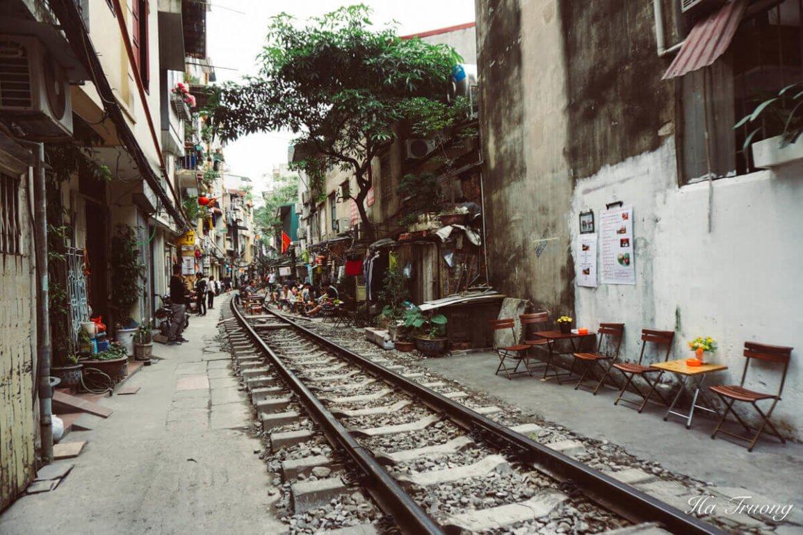 best things to see in Hanoi train street Vietnam