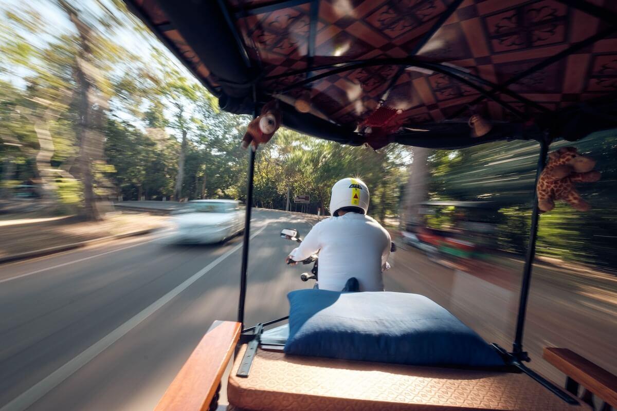 tuk-tuk airport to siem reap cambodia