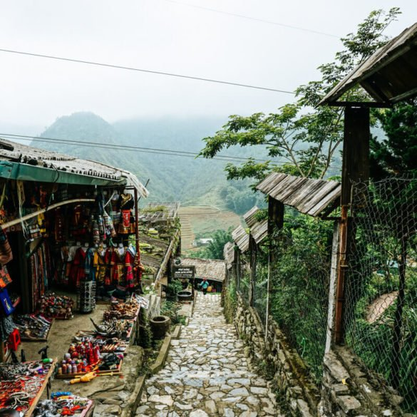 best things to do in Cat Cat village Sapa Vietnam travel guide