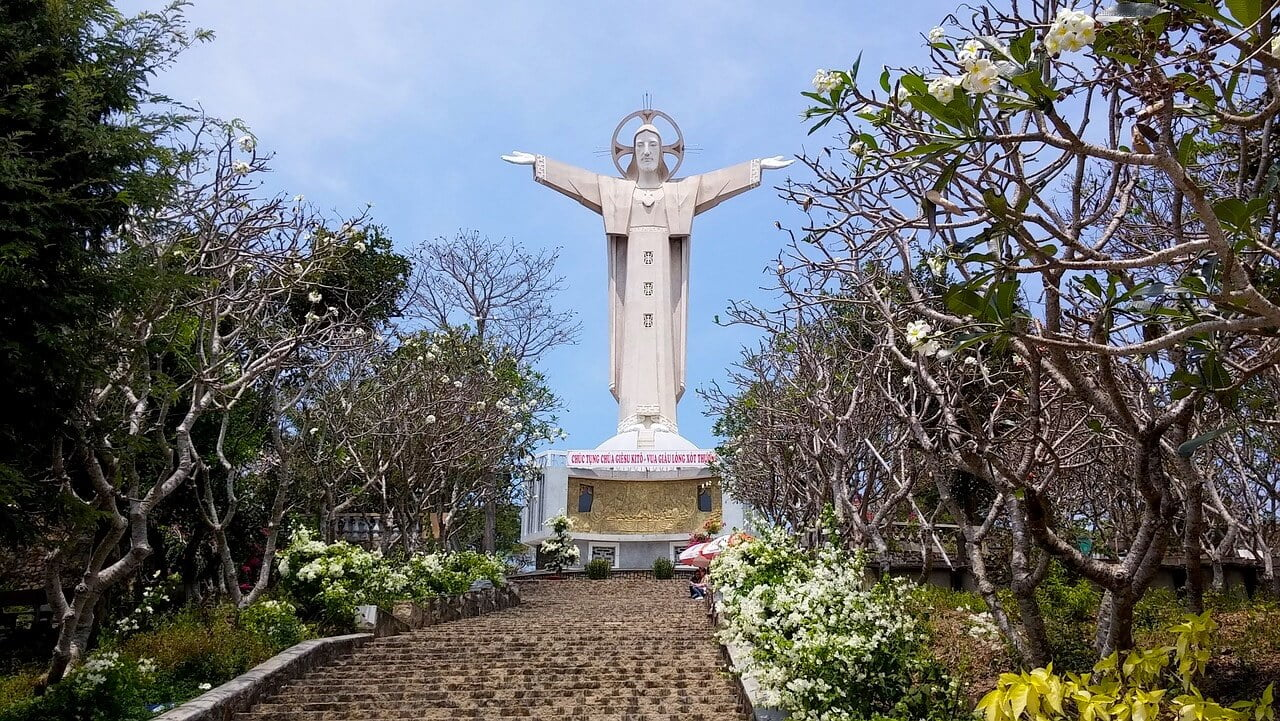 Jesus Christ statue in Vung Tau places to visit