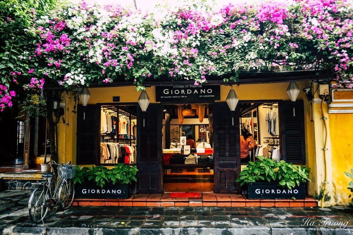 Hoi An Vietnam clothes shop