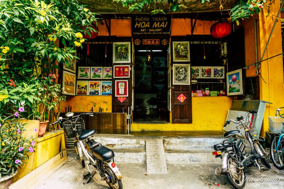art gallery in Hoi An Vietnam