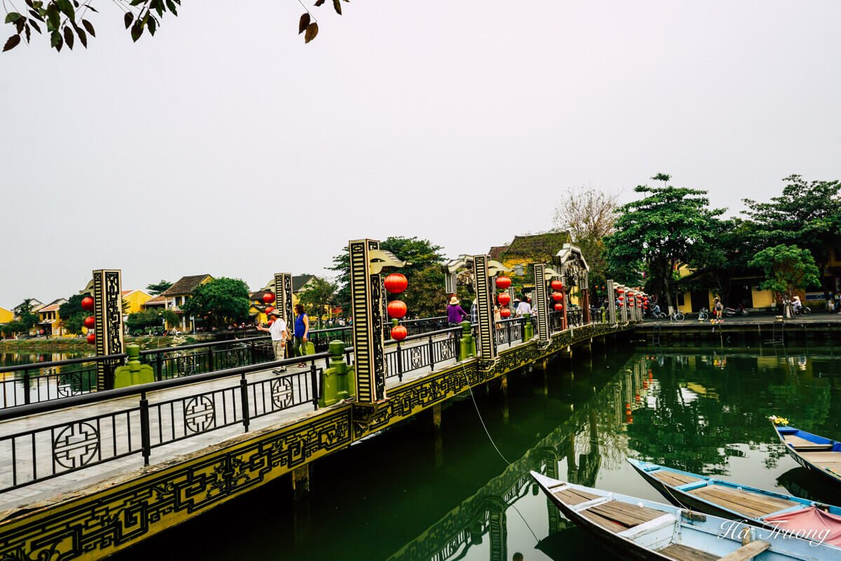 Hoi An Vietnam bridge