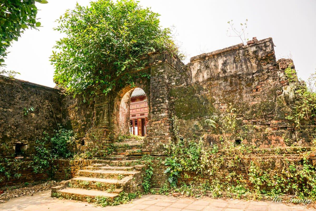 Hue Citadel ruins Vietnam