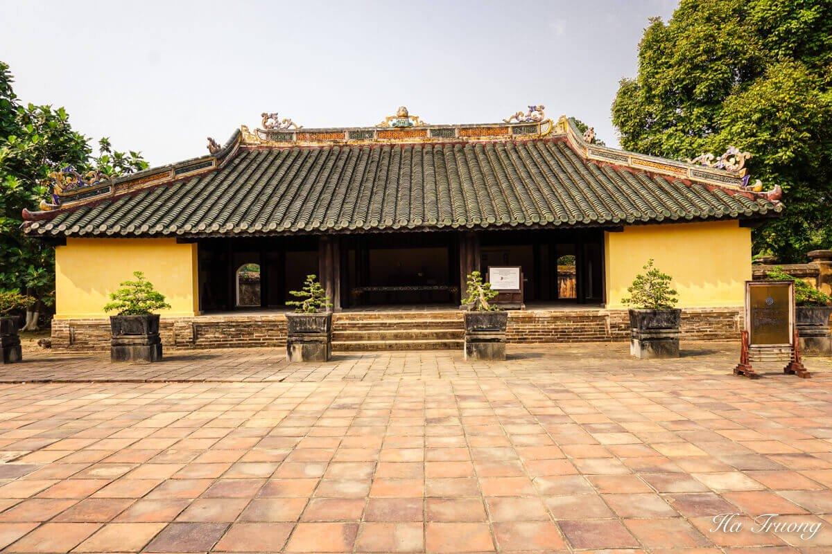 Minh Mang tomb Hue Vietnam guide