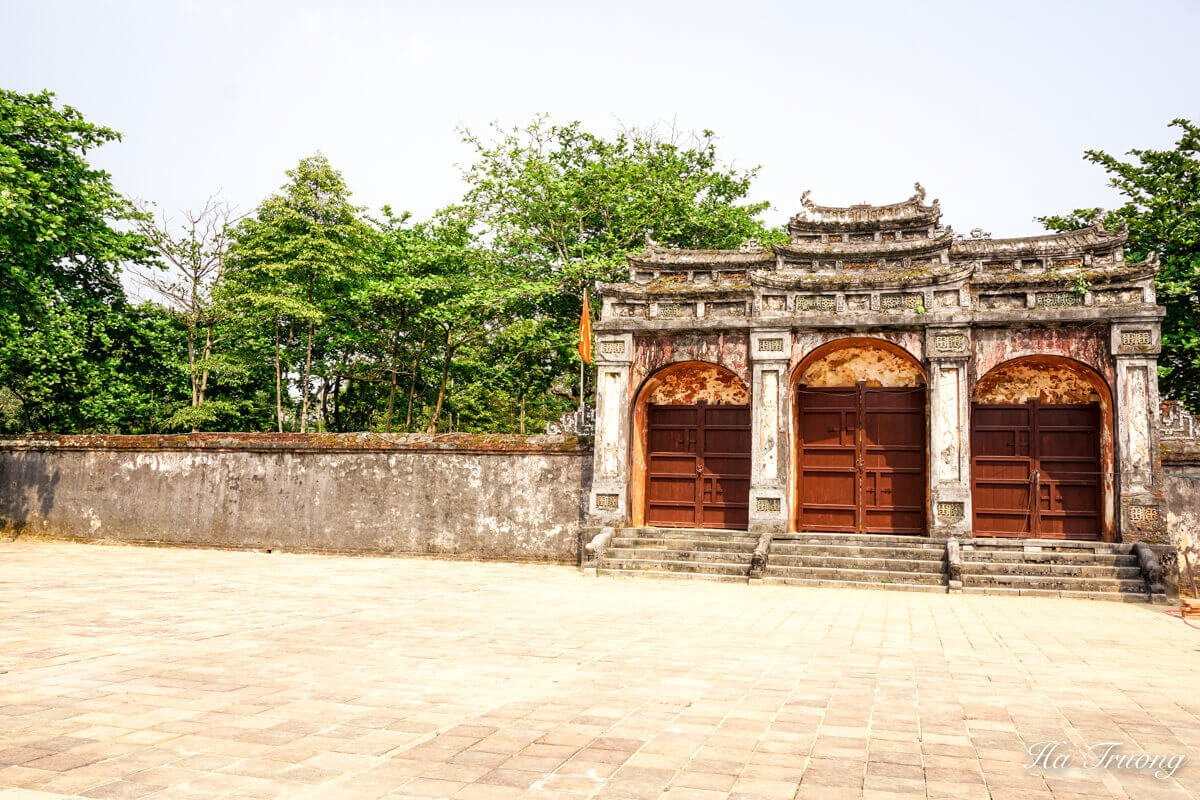 Minh Mang tomb Vietnam entrance gate