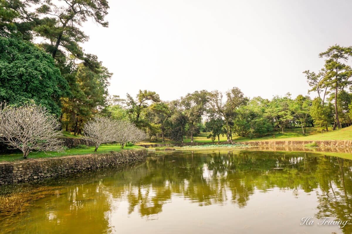 Hue Vietnam lake