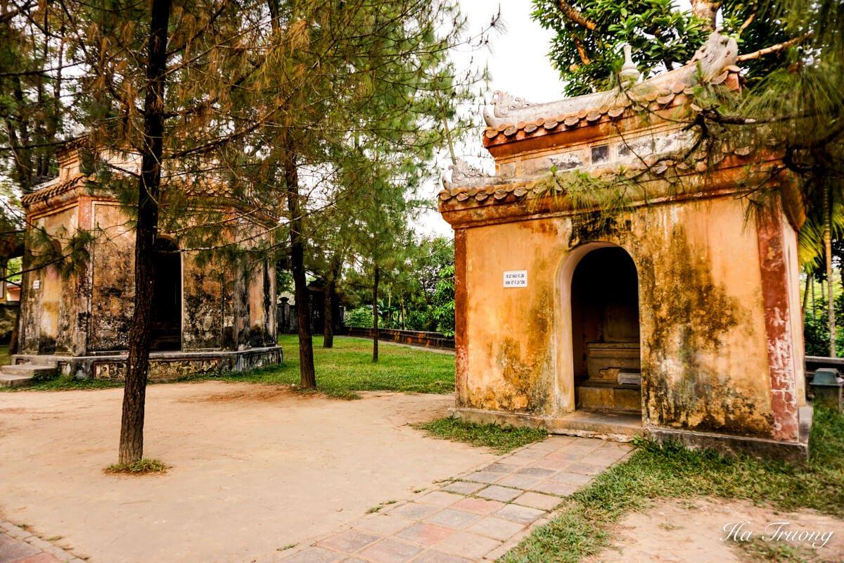 Thien Mu Pagoda Hue Vietnam temple