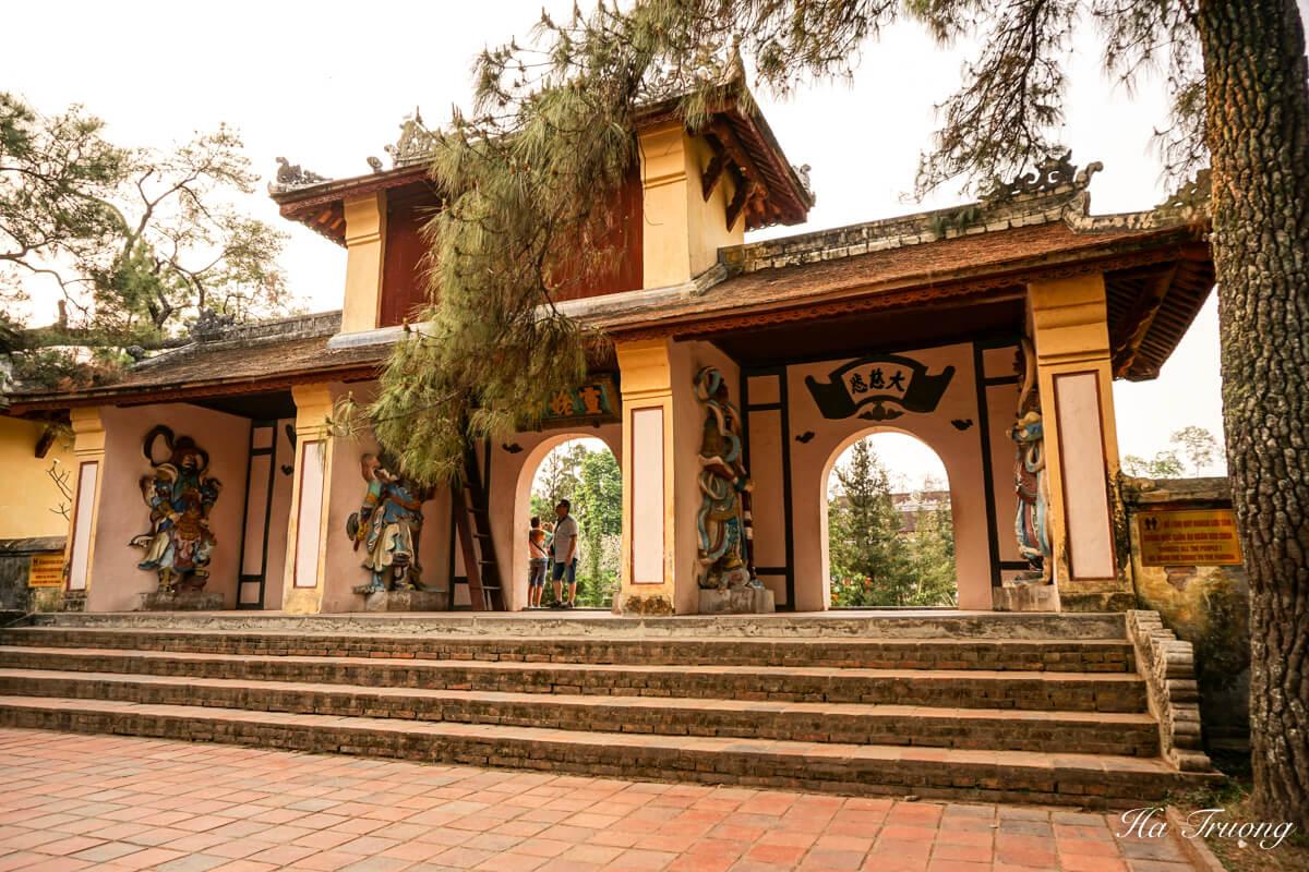 Thien Mu Pagoda Hue Vietnam visit