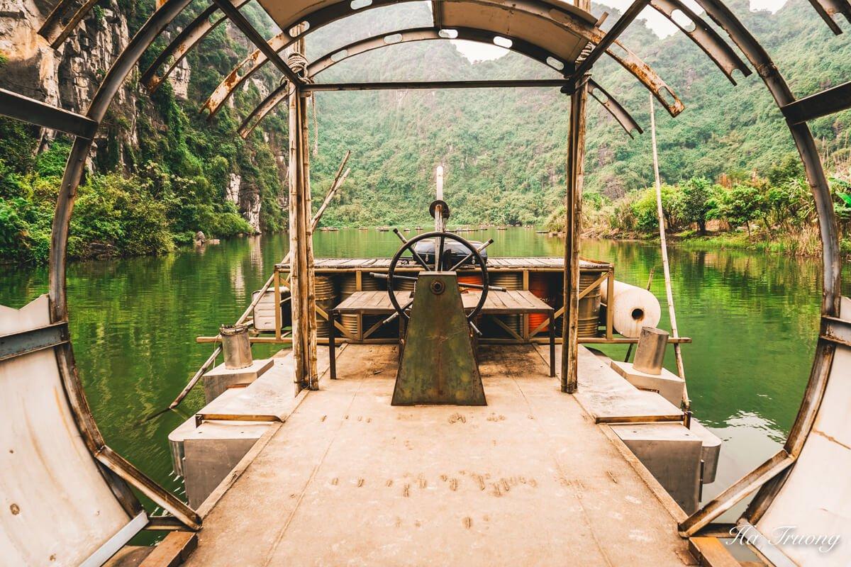 Skull island Vietnam boat