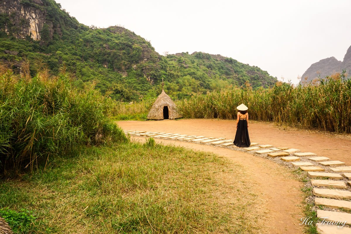 Skull island Vietnam boat trip