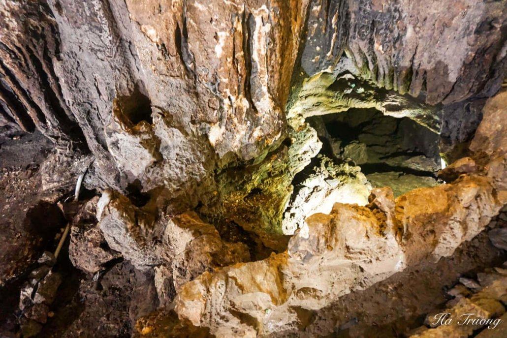Trung Trang cave Vietnam hole