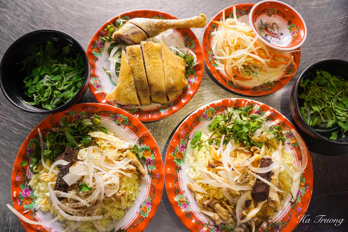 10 Vietnamese dishes you must try when you travel Hoi An Vietnam - Chicken rice