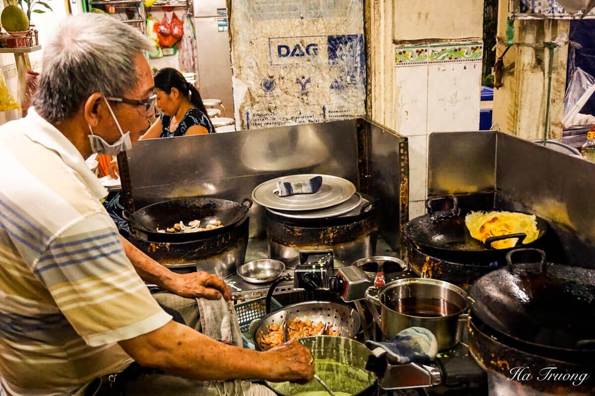 Banh xeo Vietnamese food