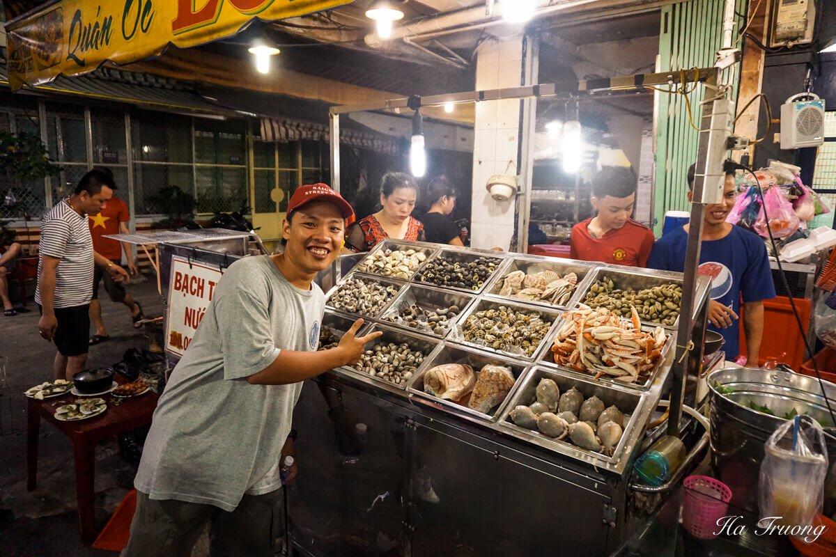 Saigon street eats seafood