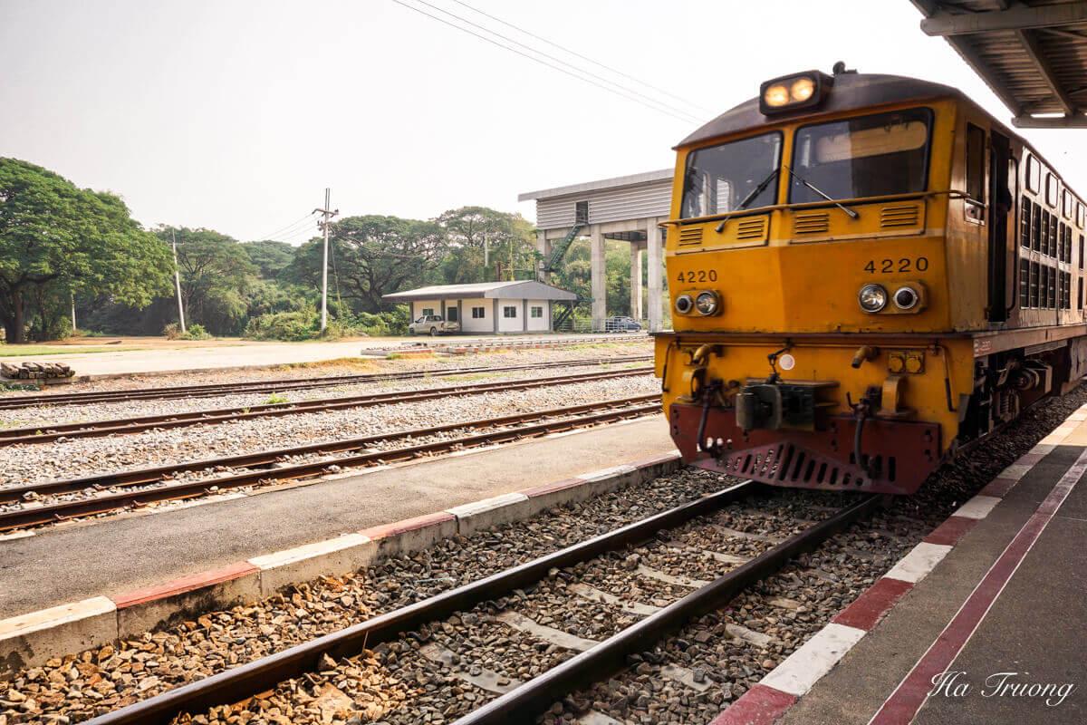 Thailand train Kanchanaburi