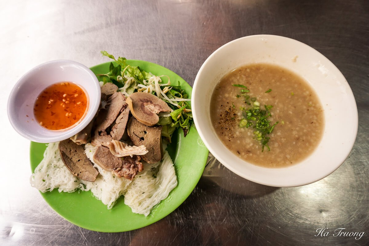 Banh hoi chao long Vietnamese food