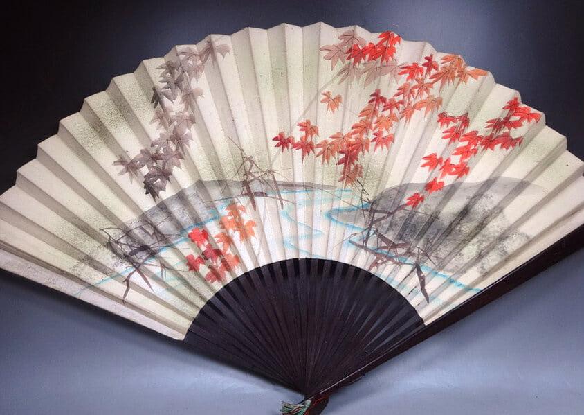 Japanese fan best souvenirs in Japan