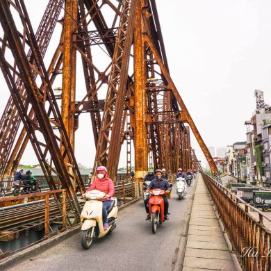 Long Bien bridge Hanoi Vietnam