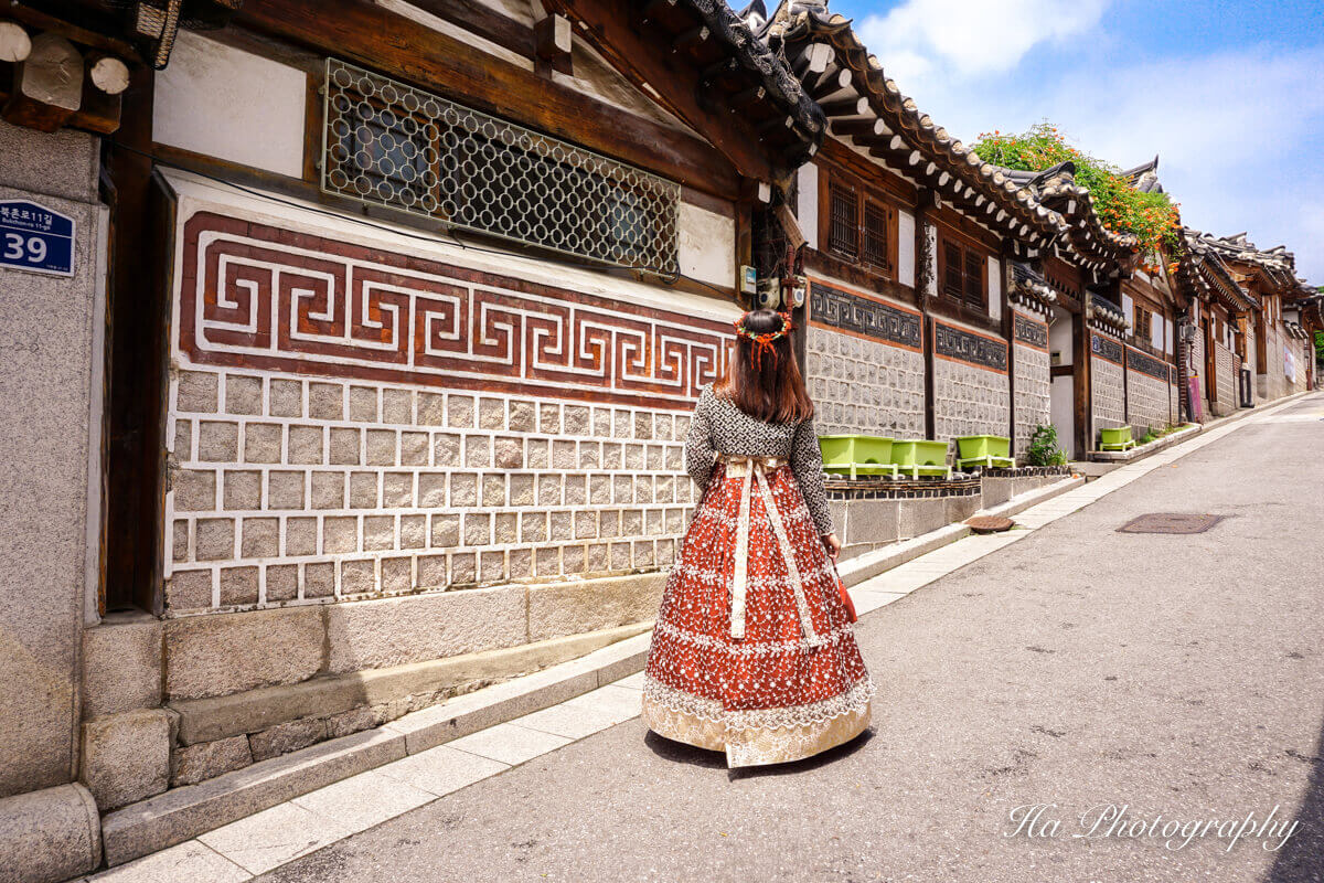 Bukchon Hanok Village Seoul Korea travel guide