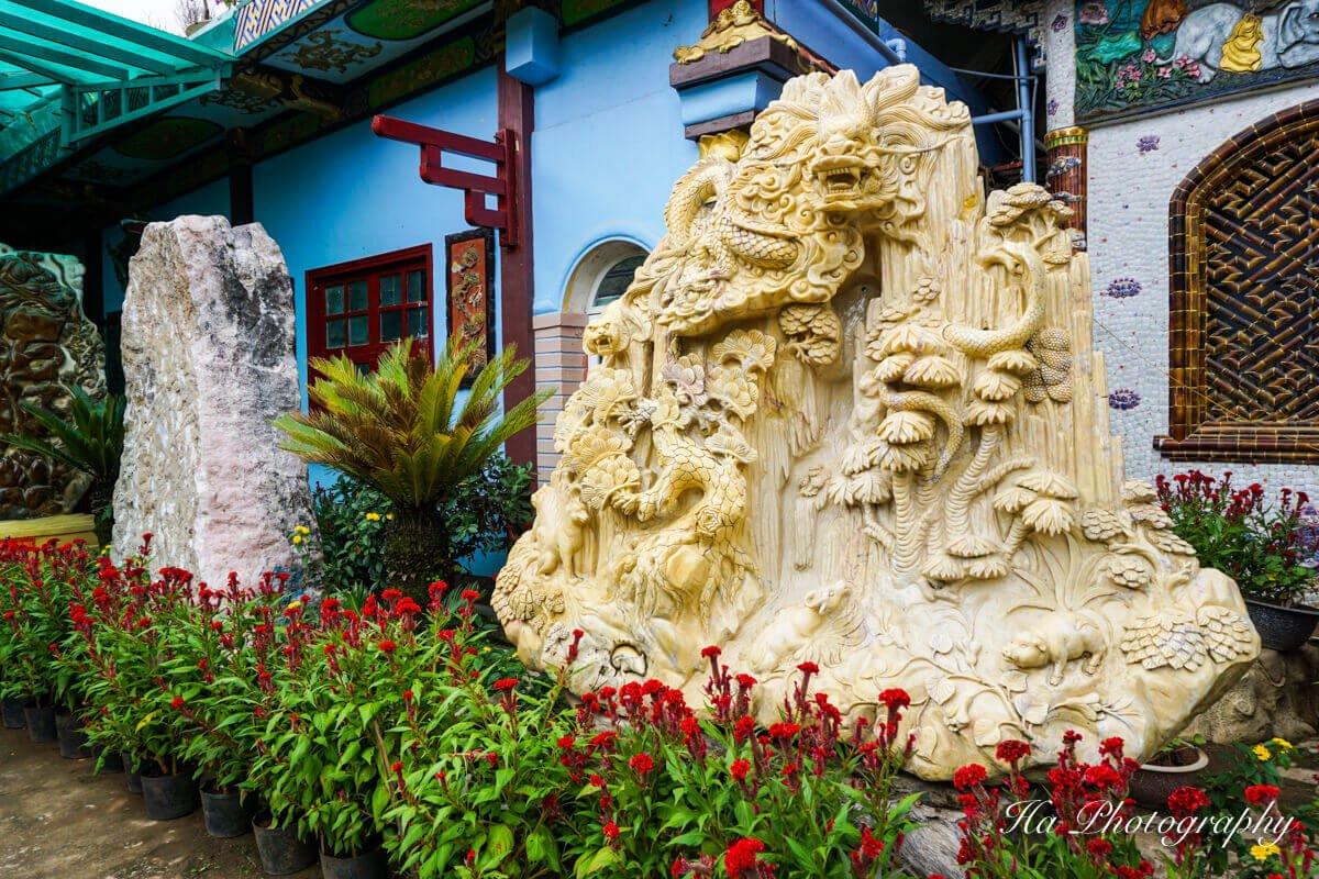 Da Lat pagoda garden