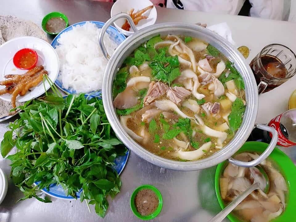 chicken hotpot Da Lat food
