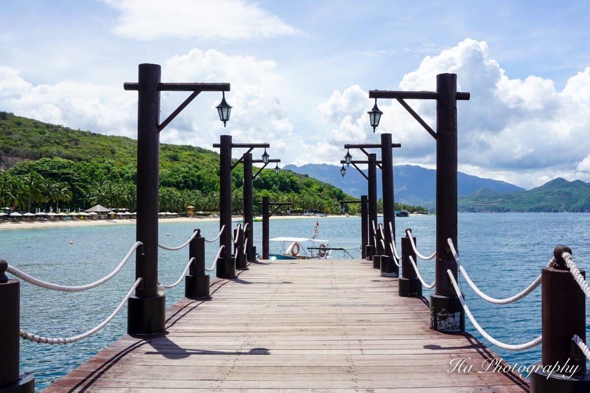 Hon Tam island gate Vietnam