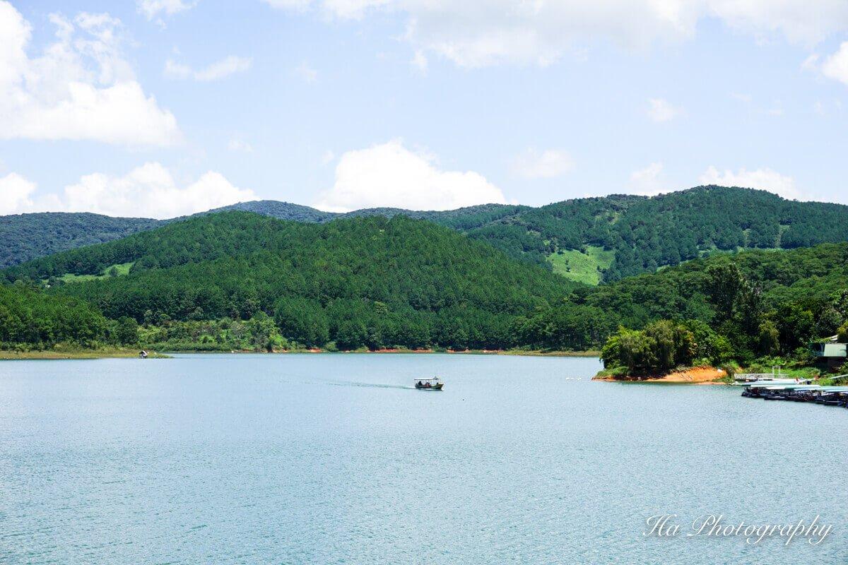 Tuyen Lam lake Dalat Vietnam