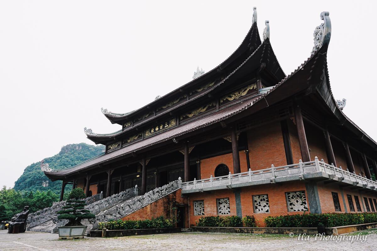 new temple Bai Dinh Vietnam