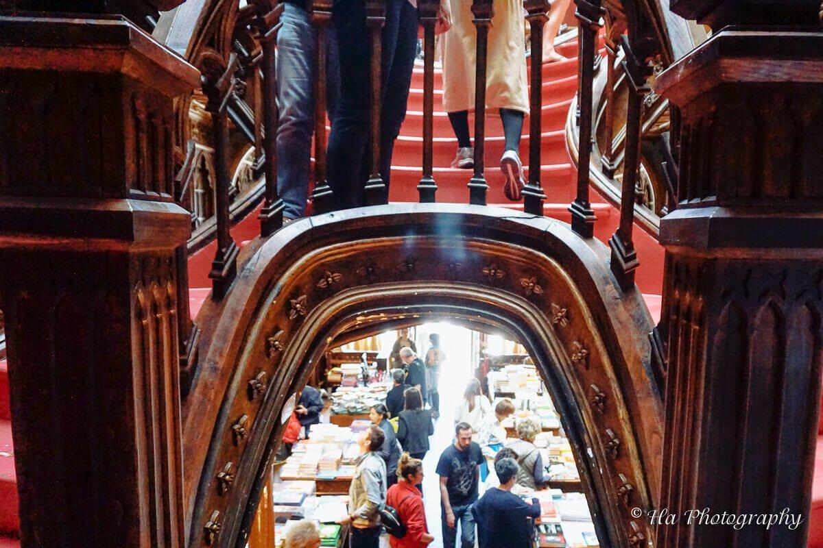Livraria Lello stairs