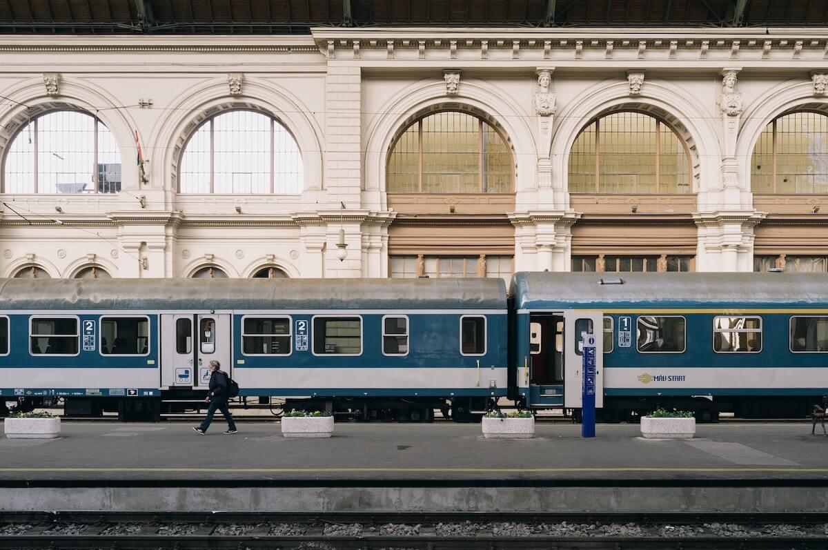 train Budapest to Vienna.