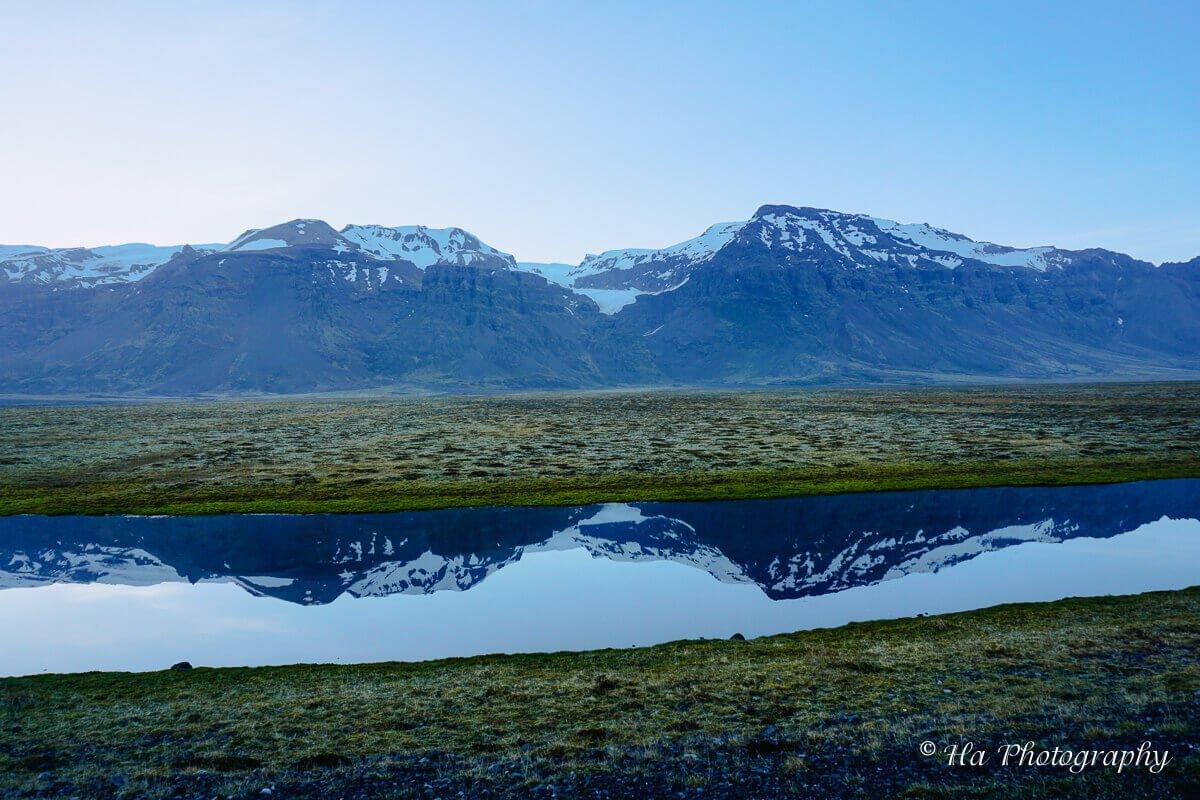 Iceland mountain scenery.