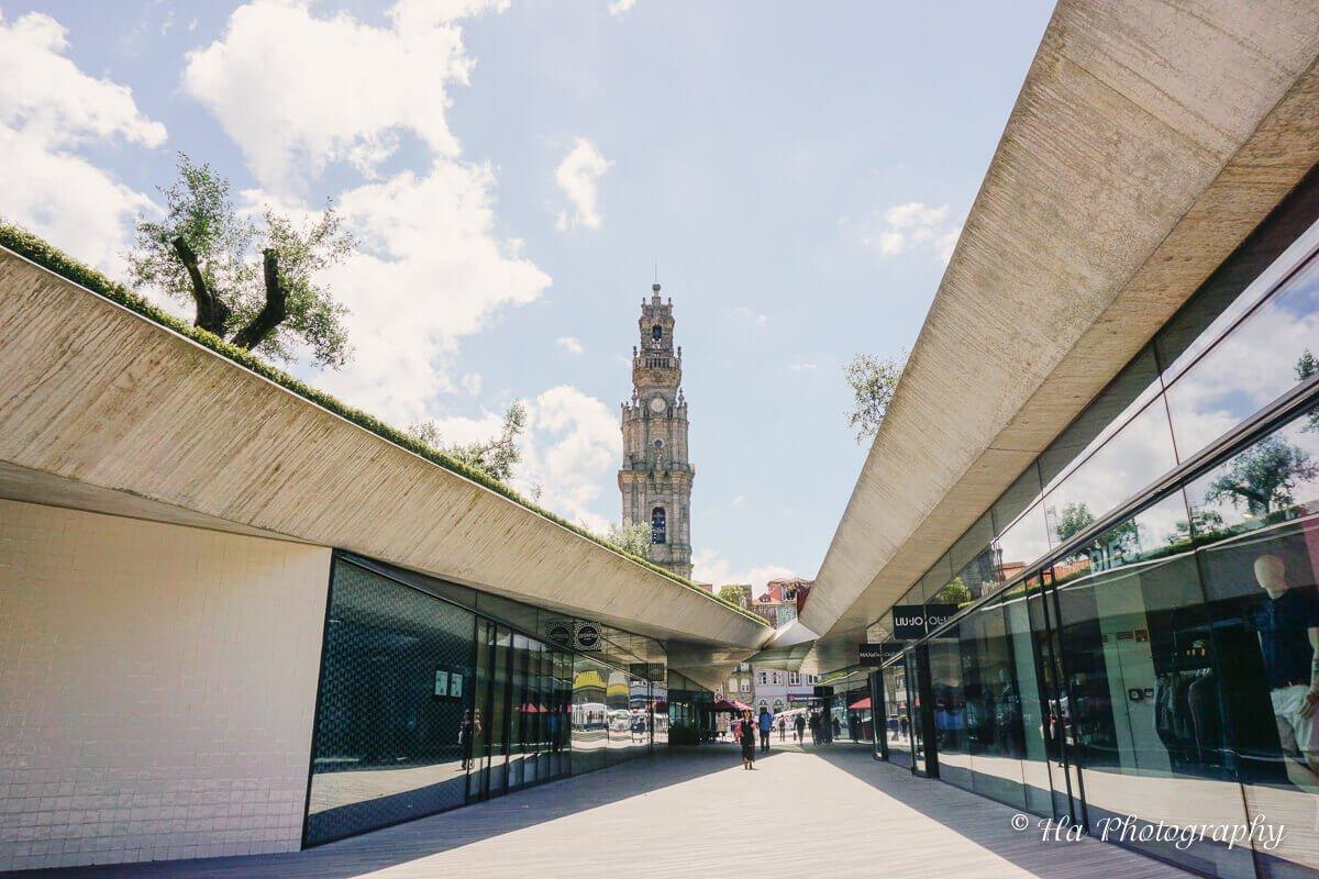 Praca de Lisboa Park Porto Portugal.
