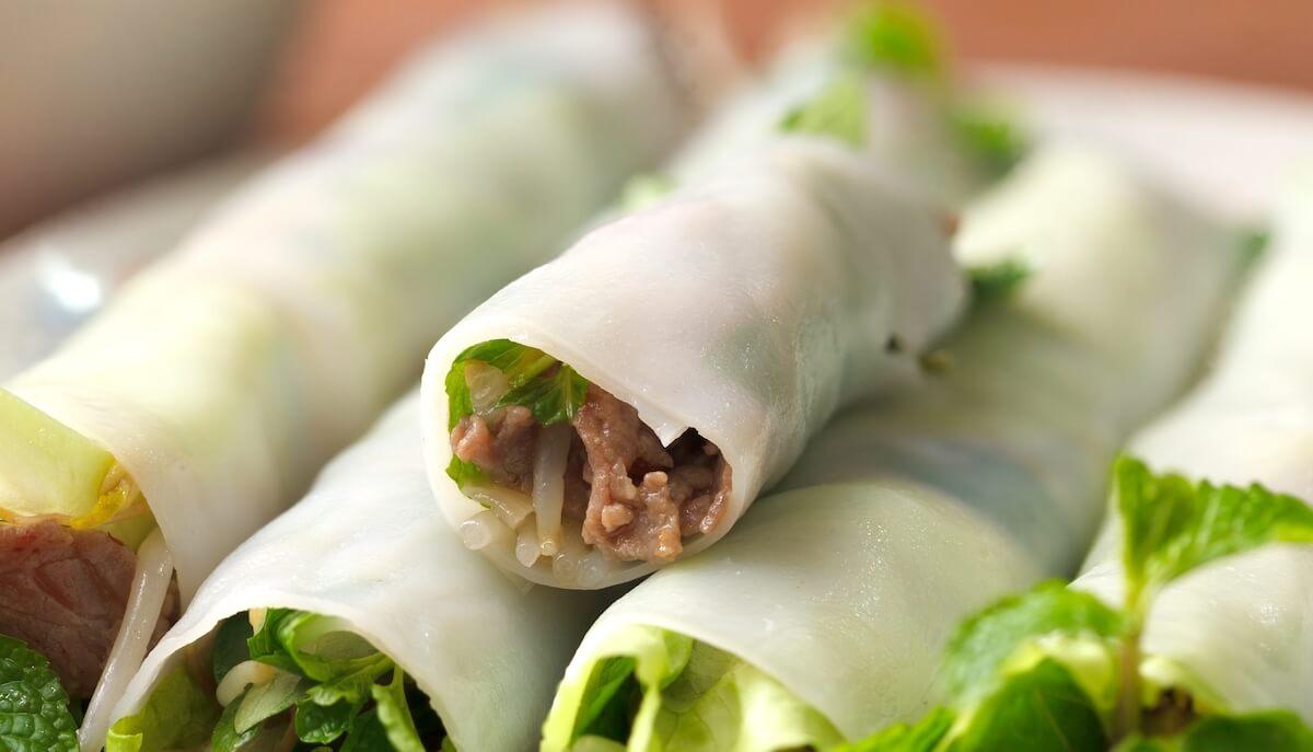 pho cuon rolls vietnamese food.