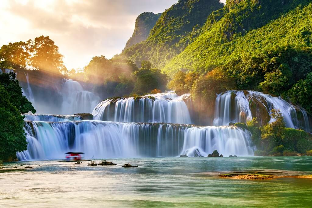 Ban gioc falls Vietnam.