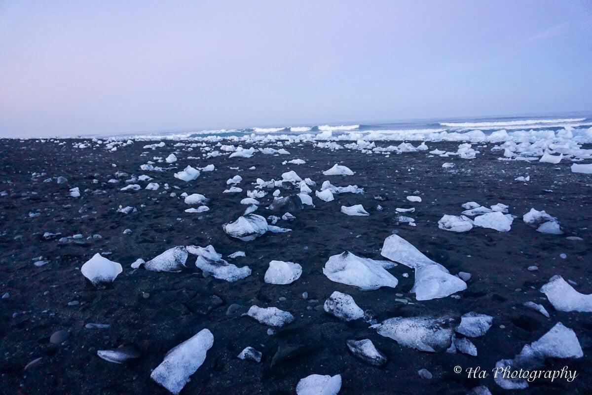 jokulsarlon diamond beach iceland.